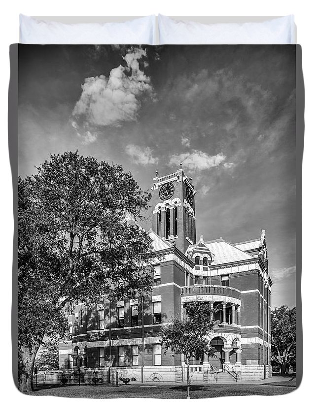 Giddings Duvet Cover featuring the photograph Lee County Courthouse In Giddings Texas by Silvio Ligutti