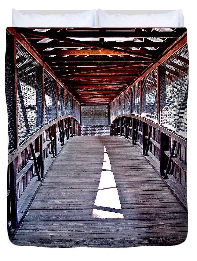 Swan Lake Duvet Cover featuring the painting Liberty Bridge Swan Lake by Jeff McJunkin