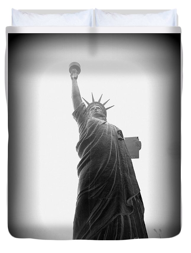 Statue Of Liberty Duvet Cover featuring the photograph Liberty In Black And White by Ed Weidman