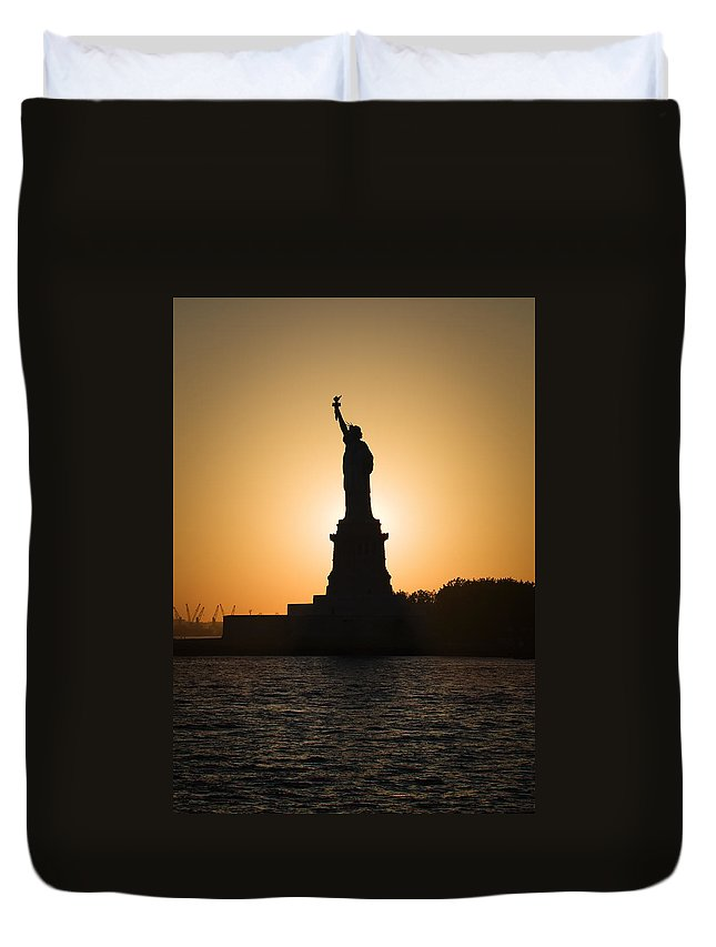 Statue Of Liberty Duvet Cover featuring the photograph Liberty Sunset by Dave Bowman