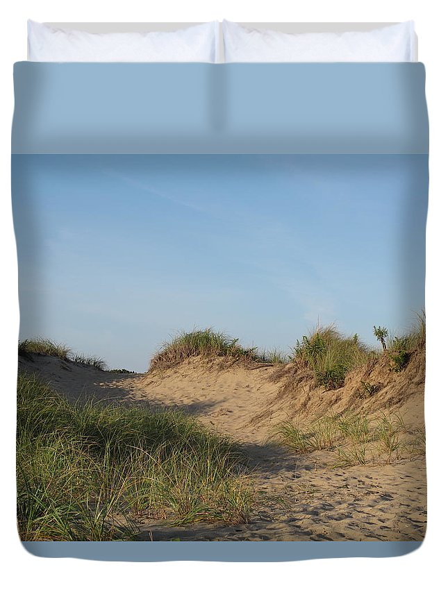 Landscape Duvet Cover featuring the photograph Lieutenant Island Dunes by Barbara McDevitt