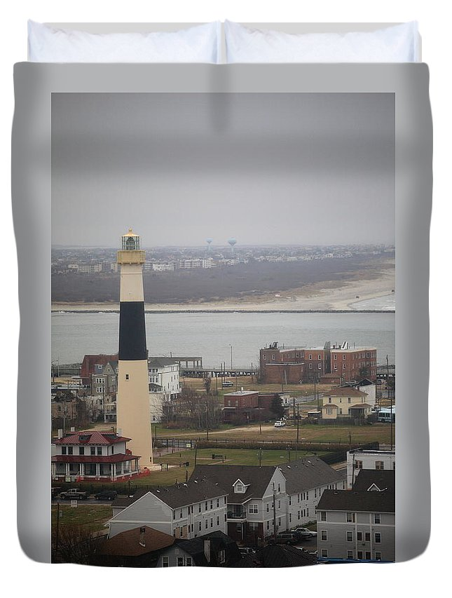 Absecon Duvet Cover featuring the photograph Lighthouse - Atlantic City by Frank Romeo