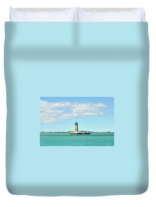 Scenics Duvet Cover featuring the photograph Lighthouse Lake St. Clair by Rivernorthphotography
