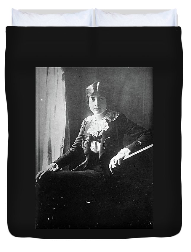 1918 Duvet Cover featuring the photograph Lili Boulanger (1893-1918) by Granger