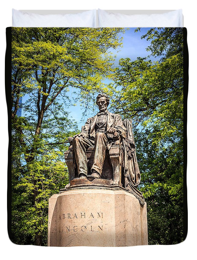 Abraham Duvet Cover featuring the photograph Lincoln Head Of State Statue In Chicago by Paul Velgos
