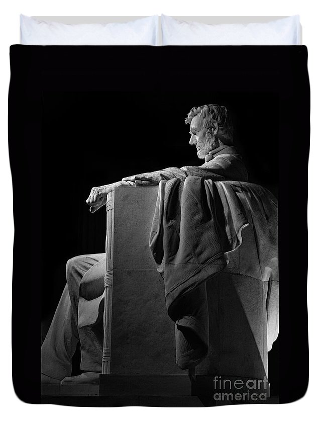Abraham Lincoln Duvet Cover featuring the photograph Lincoln In Black And White by Jerry Fornarotto