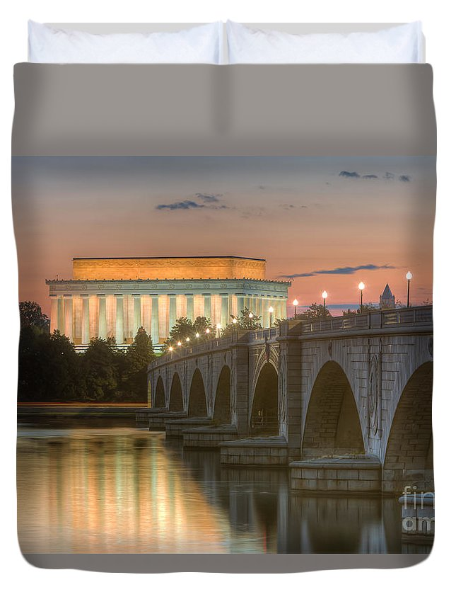 Clarence Holmes Duvet Cover featuring the photograph Lincoln Memorial And Arlington Memorial Bridge At Dawn I by Clarence Holmes