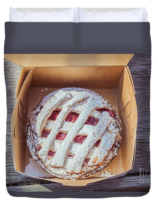 Food Duvet Cover featuring the photograph Little Cherry Pie by Edward Fielding