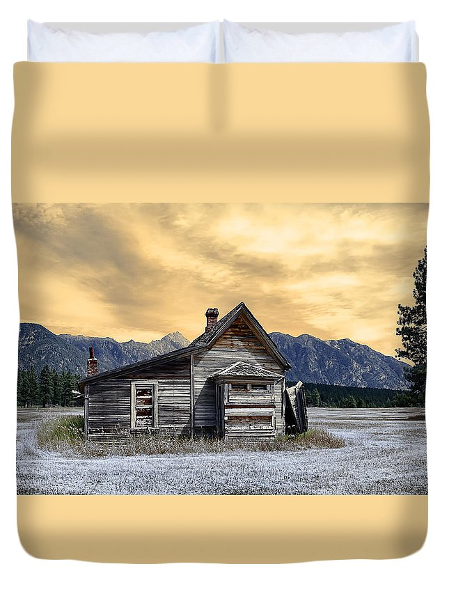 Architecture Duvet Cover featuring the photograph Little House On The Prairie by Wayne Sherriff
