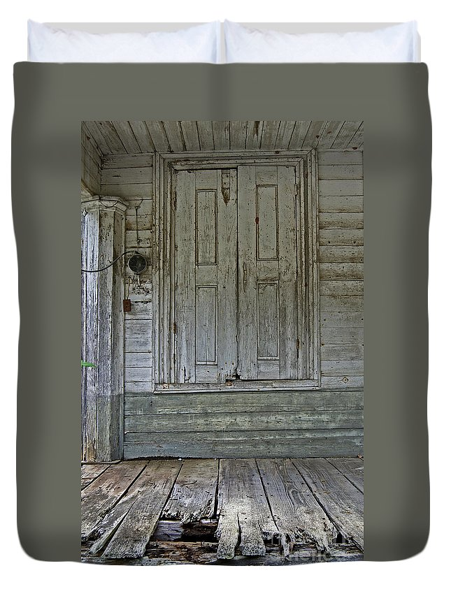 Scenic Tours Duvet Cover featuring the photograph Loading Dock by Skip Willits