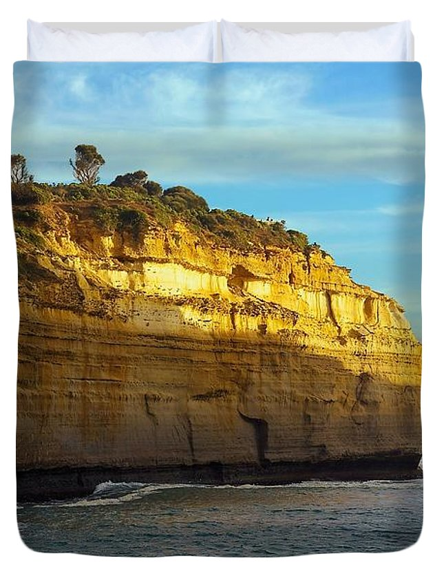 Ocean Duvet Cover featuring the photograph Loch Ard Gorge #2 by Stuart Litoff