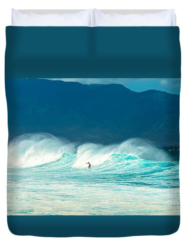 Hookipa Beach Duvet Cover featuring the photograph Lone Surfer by Jamie Pham