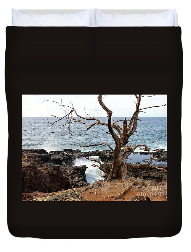 Landscape Duvet Cover featuring the photograph Lonesome by MAK Photography