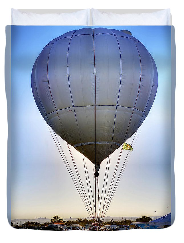 Long Distance Flyer Duvet Cover featuring the photograph Long Distance Flyer by Gary Holmes