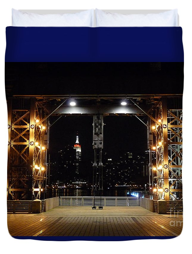 Long Island City Duvet Cover featuring the photograph Long Island City Pier by Kendall Eutemey
