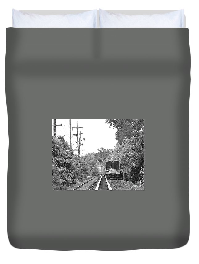 Long Island Railroad Pulling Into Station Duvet Cover featuring the photograph Long Island Railroad Pulling Into Station by John Telfer
