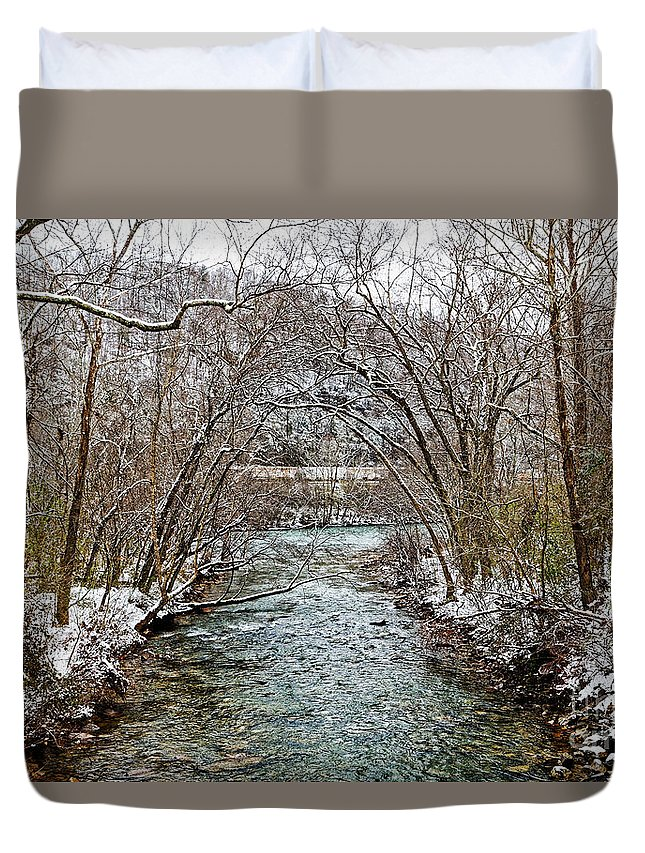 Clifty Creek Duvet Cover featuring the photograph Looking Down Clifty Creek by Paul Mashburn