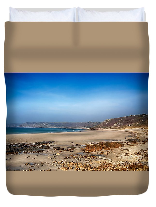 Sennen Cove Canvas Duvet Cover featuring the photograph Low Tide At Sennen Cove by Chris Thaxter