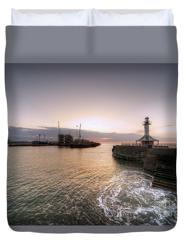Lowestoft Duvet Cover featuring the photograph Lowestoft Harbour At Dawn by Rob Hawkins