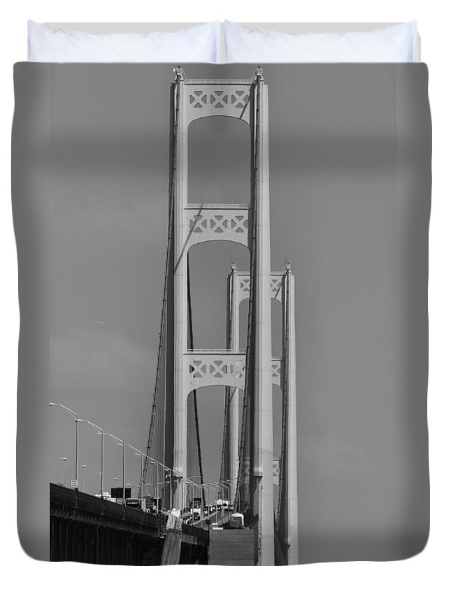 Mackinac Bridge Black And White Duvet Cover featuring the photograph Mackinac Bridge Vertical View by Dan Sproul