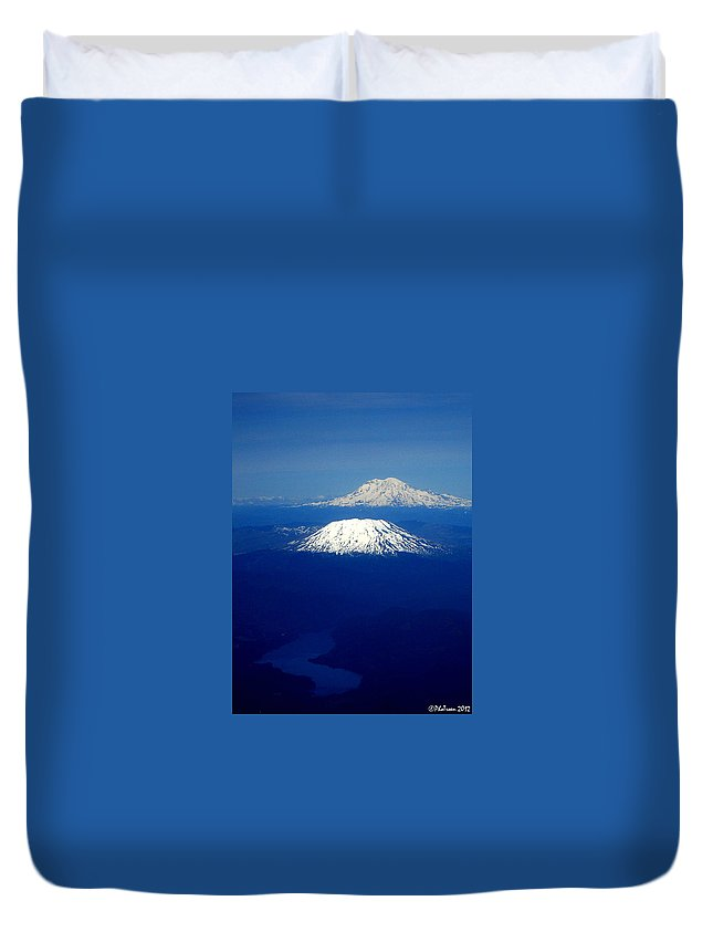 River Duvet Cover featuring the photograph Majestic Northwest Mountains And The Mighty Columbia River by De Ann Troen