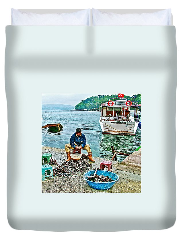 Man Selling Fresh Mussels On The Bosporus In Istanbul Duvet Cover featuring the photograph Man Selling Fresh Mussels On The Bosporus In Istanbul-turkey by Ruth Hager