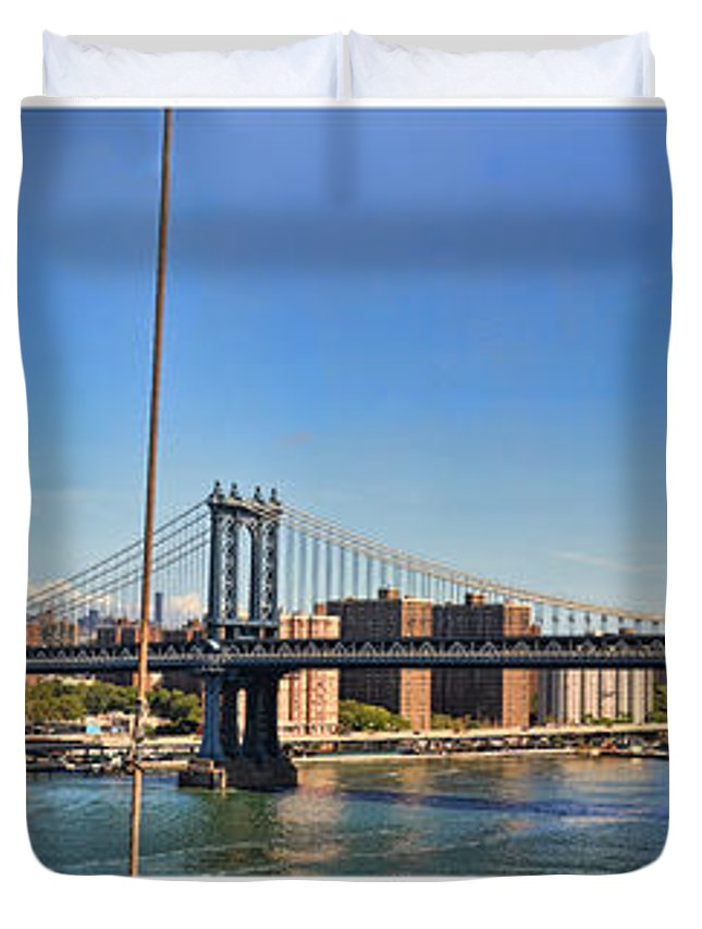 Wright Duvet Cover featuring the photograph Manhattan Bridge Nyc by Paulette B Wright