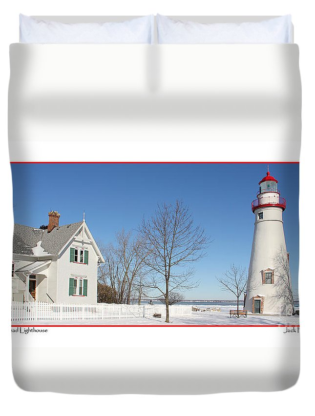 Marblehead Lighthouse Duvet Cover featuring the photograph Marblehead Lighthouse In Snow by Jack Schultz