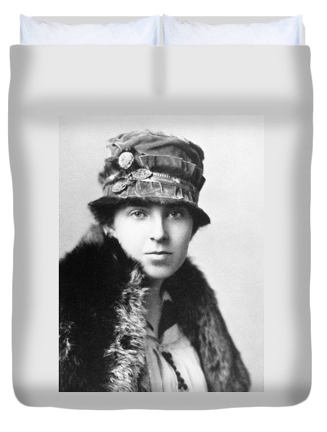 1918 Duvet Cover featuring the photograph Margaret Woodbury Strong (1897-1969) by Granger