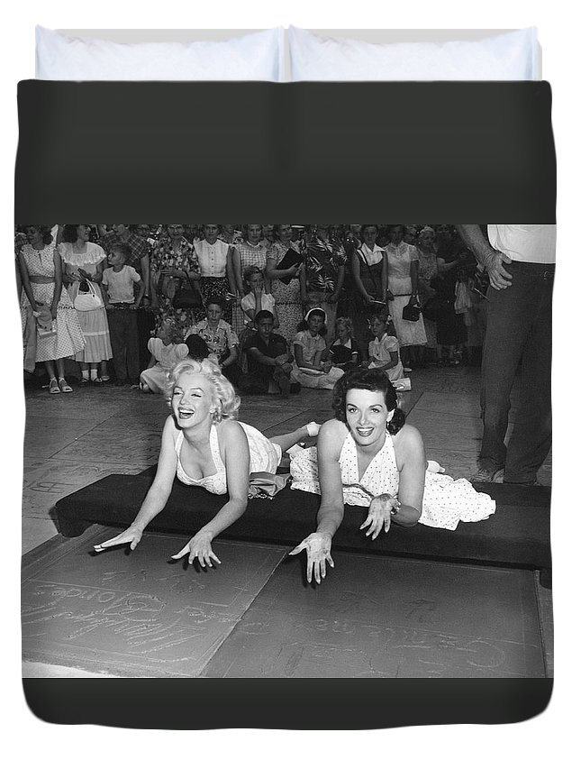 1950's Duvet Cover featuring the photograph Marilyn Monroe And Jane Russell by Underwood Archives