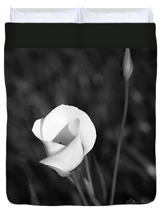 Mariposa Lily Duvet Cover featuring the painting Mariposa Lily 2 by Ellen Henneke