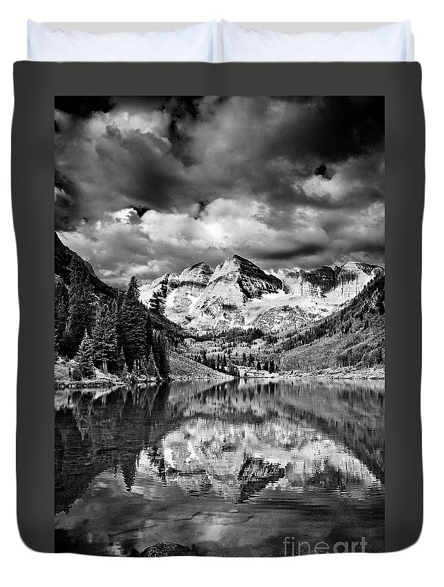 America Duvet Cover featuring the photograph Maroon Bells by Joe Mamer