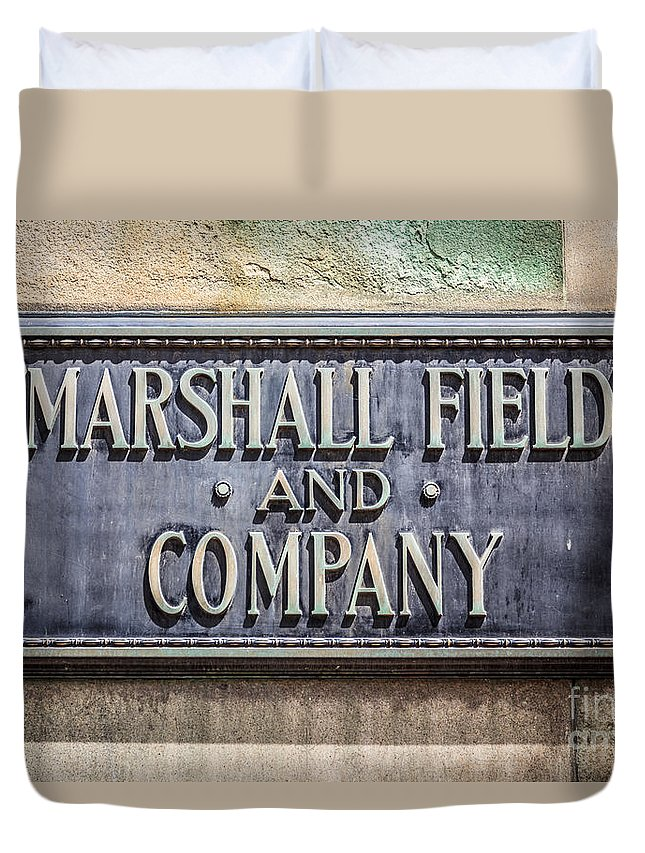 America Duvet Cover featuring the photograph Marshall Field And Company Sign In Chicago by Paul Velgos