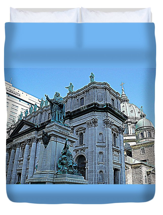 Montreal Duvet Cover featuring the photograph Mary Queen Of The World Cathedral - Side View In Hdr by Lingfai Leung