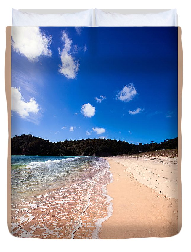 Matapouri Bay Duvet Cover featuring the photograph Matapouri Bay by Geoff Campbell