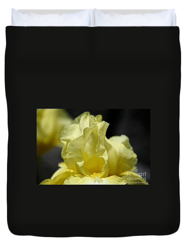 Flower Duvet Cover featuring the photograph Maui Moonlight by Susan Herber