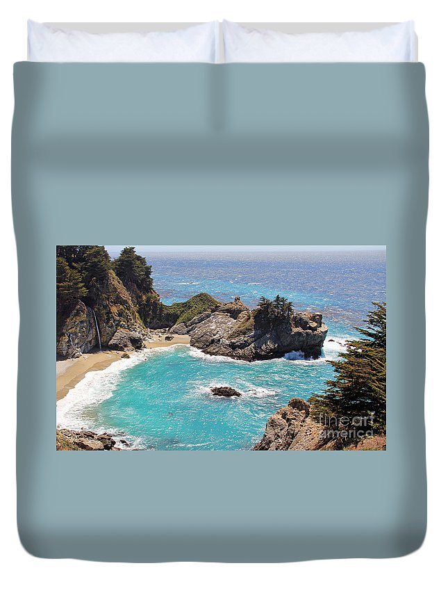 Mcway Falls Duvet Cover featuring the photograph Mcway Falls 7387 by Jack Schultz
