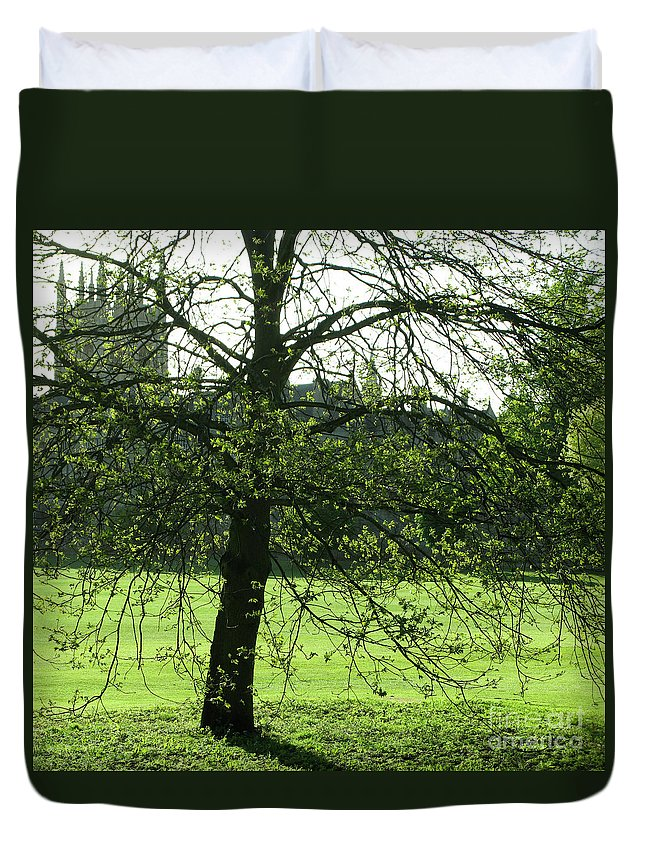 Oxford University Duvet Cover featuring the photograph Meadow View by Ann Horn