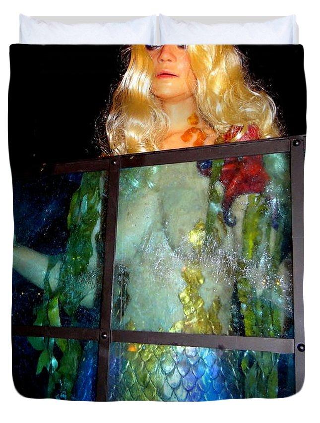 Mermaid Duvet Cover featuring the photograph Mermaid Vision by Ed Weidman