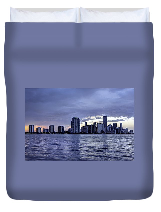 Miami Duvet Cover featuring the photograph Miami Skyline Waves by Manuel Lopez