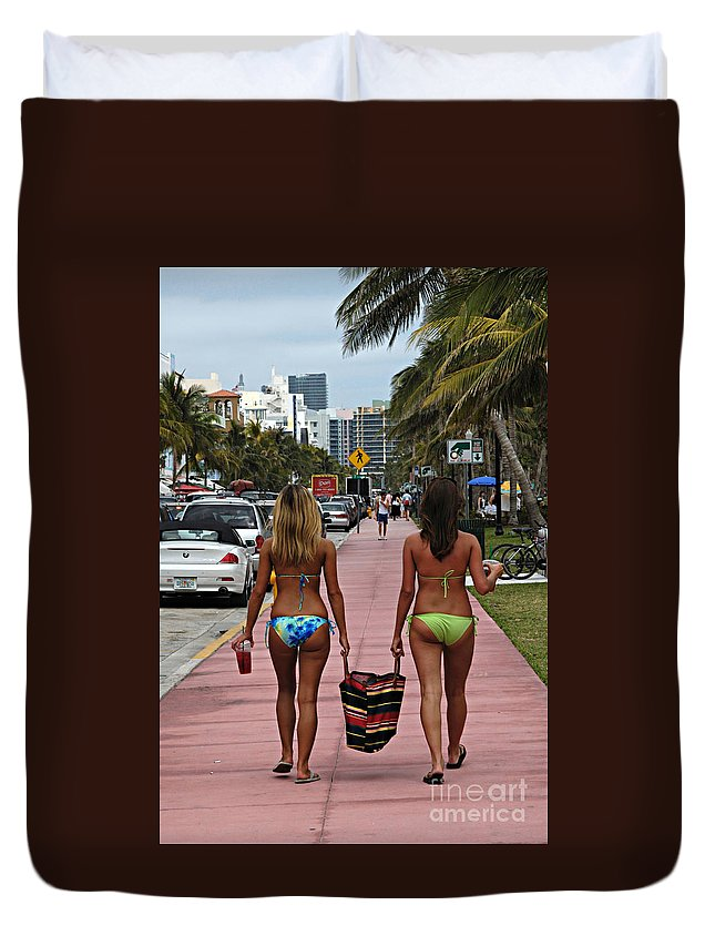 Girls Duvet Cover featuring the photograph Miami Vice by Bob Christopher