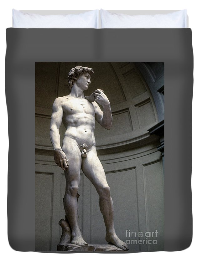 Museum Museums Statue Statues Florence The David Florence Marble Sculpture Sculptures Michelangelo's David Accademia Gallery Masterpiece Artwork Italy Duvet Cover featuring the photograph Michelangelo's David by Bob Phillips