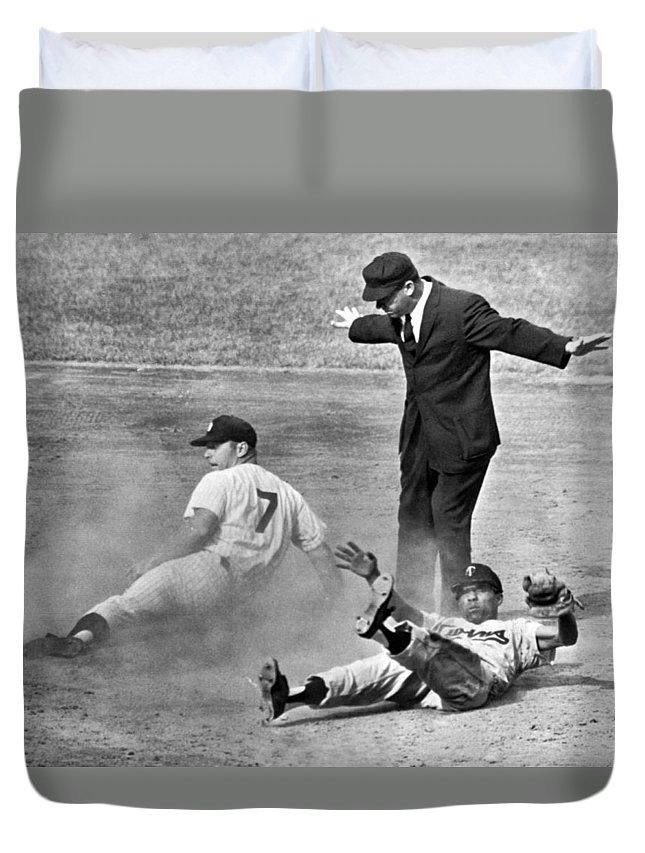 1961 Duvet Cover featuring the photograph Mickey Mantle Steals Second by Underwood Archives