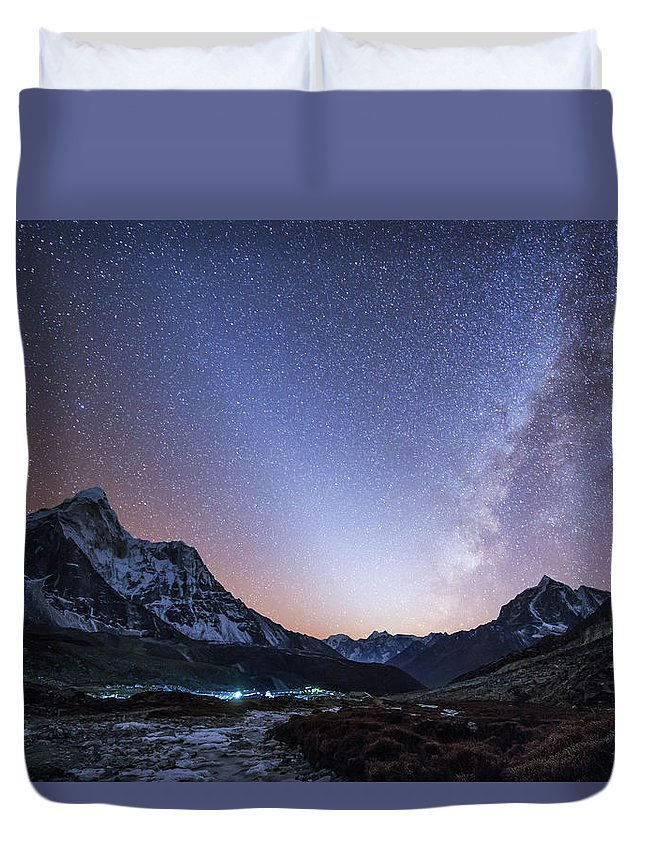 Horizontal Duvet Cover featuring the photograph Milky Way And Zodiacal Light Ove by Jeff Dai