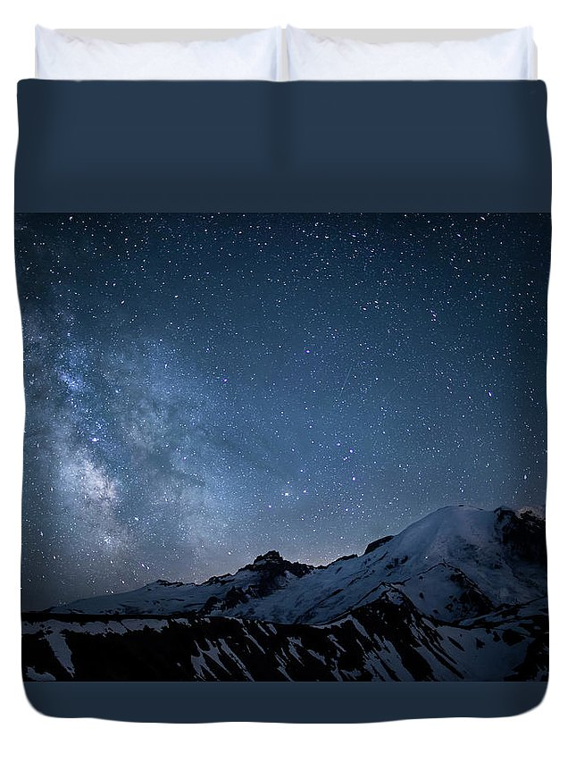 Scenics Duvet Cover featuring the photograph Milky Way Over Mount Rainier by Ed Leckert