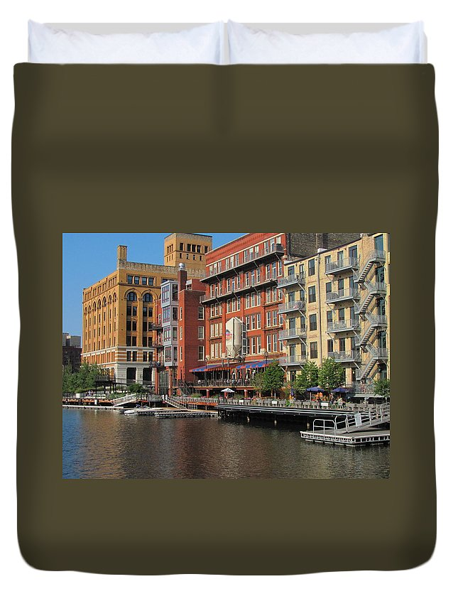 Milwaukee Duvet Cover featuring the photograph Milwaukee River Architecture 4 by Anita Burgermeister