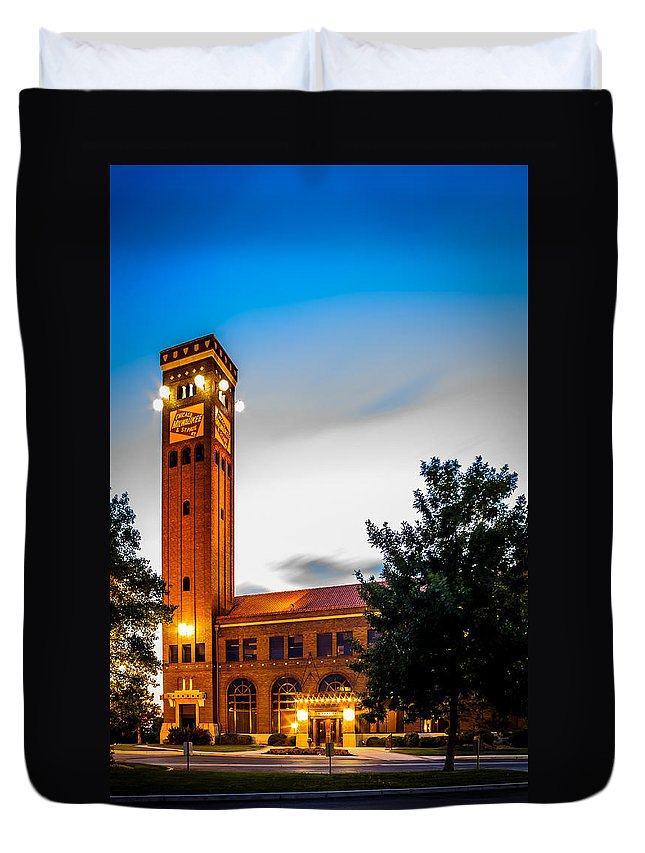 Train Station Duvet Cover featuring the photograph Milwaukee Station by John Lee