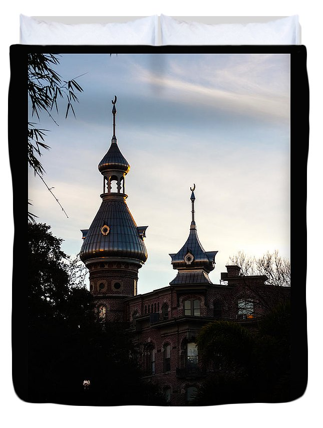 America's Gilded Age Duvet Cover featuring the photograph Minaret And Turret by Ed Gleichman