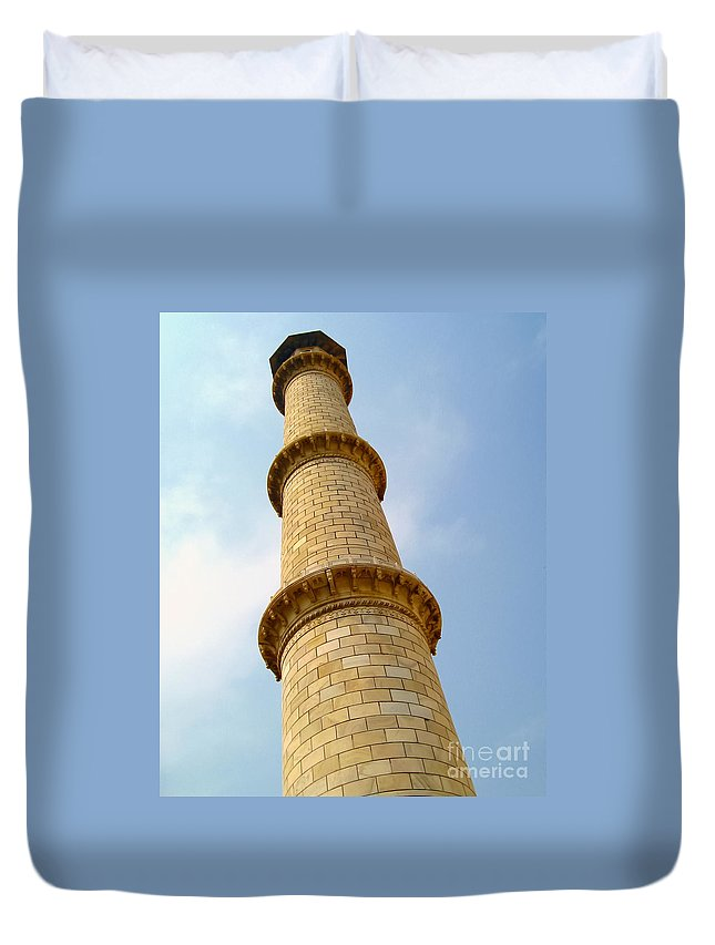 Taj Mahal Duvet Cover featuring the photograph Minaret by Mary Pille