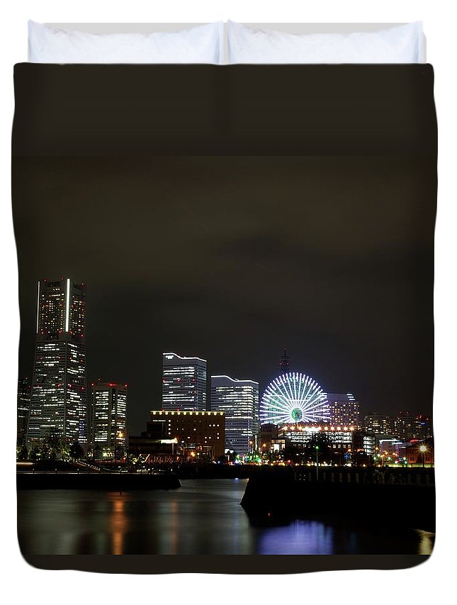 Tranquility Duvet Cover featuring the photograph Minato-mirai by Takuya.skd